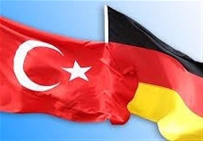 تشدید تنش های بین برلین-آنکارا بر سر لغو مجوز خبرنگاران آلمانی
