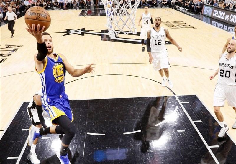 لیگ NBA، شکست سنگین هاوکس در اورلاندو، کری به رکورد چمبرلین نزدیک شد